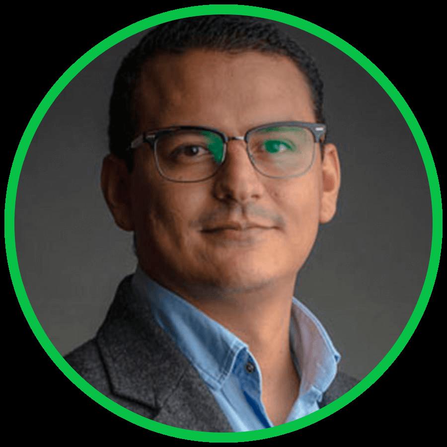 Dr. Gustavo Lucar